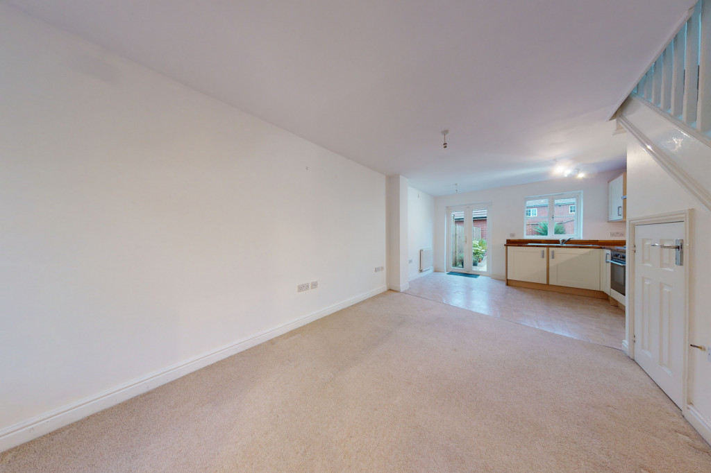 2 bed end of terrace house to rent in Violet Way, Ashford 1