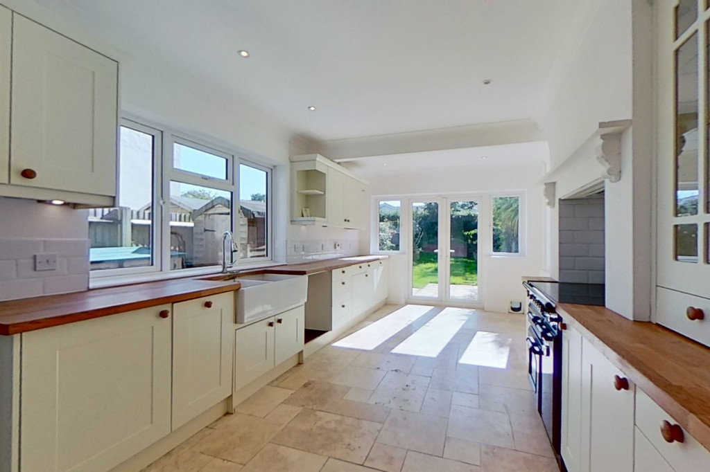 3 bed semi-detached house to rent in Western Avenue, Ashford  - Property Image 5