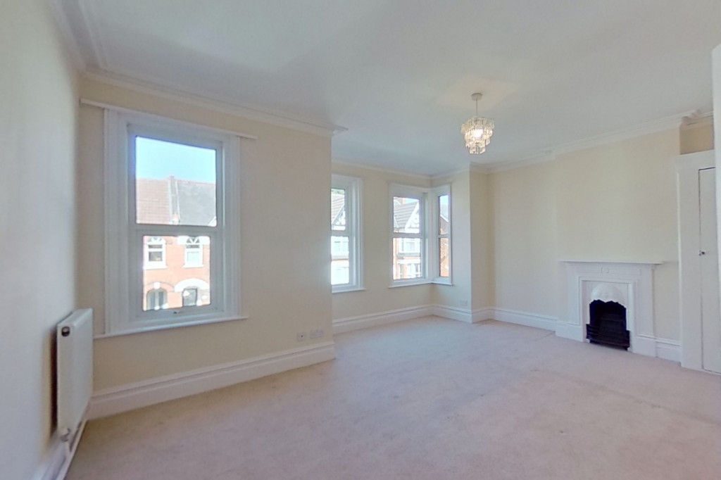 3 bed semi-detached house to rent in Western Avenue, Ashford 5
