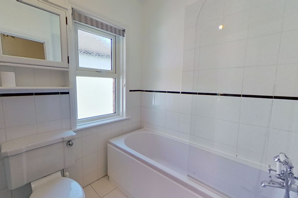 3 bed semi-detached house to rent in Western Avenue, Ashford 9