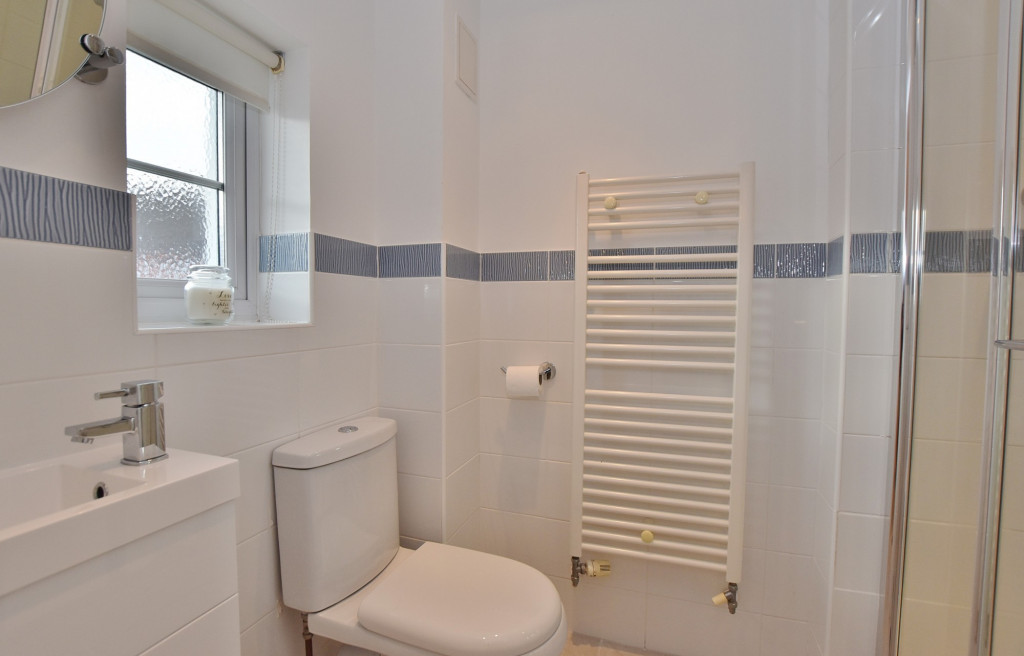 3 bed end of terrace house to rent in Running Foxes Lane, Singleton, Ashford  - Property Image 10