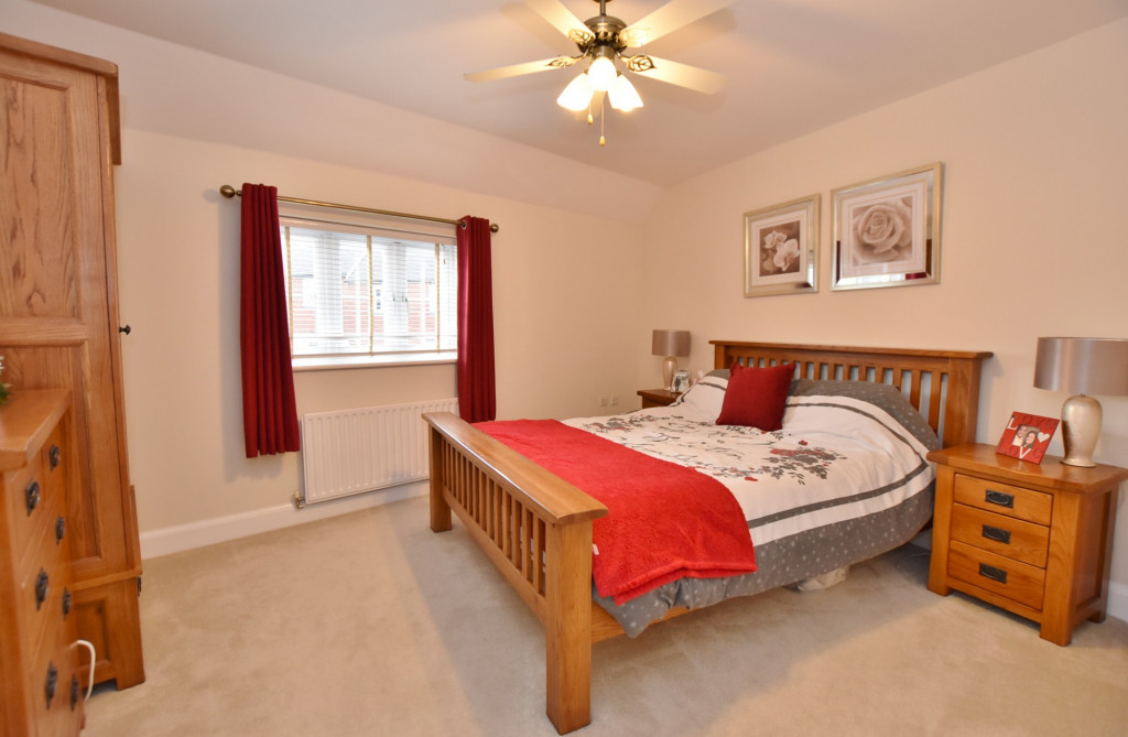 3 bed end of terrace house to rent in Running Foxes Lane, Singleton, Ashford  - Property Image 12