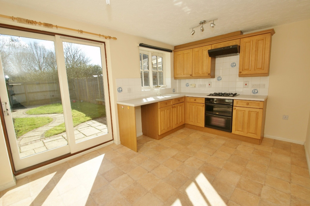 3 bed terraced house for sale in Smithy Drive, Kingsnorth, Ashford - Property Image 1