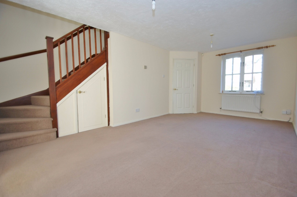 3 bed terraced house for sale in Smithy Drive, Kingsnorth, Ashford  - Property Image 3
