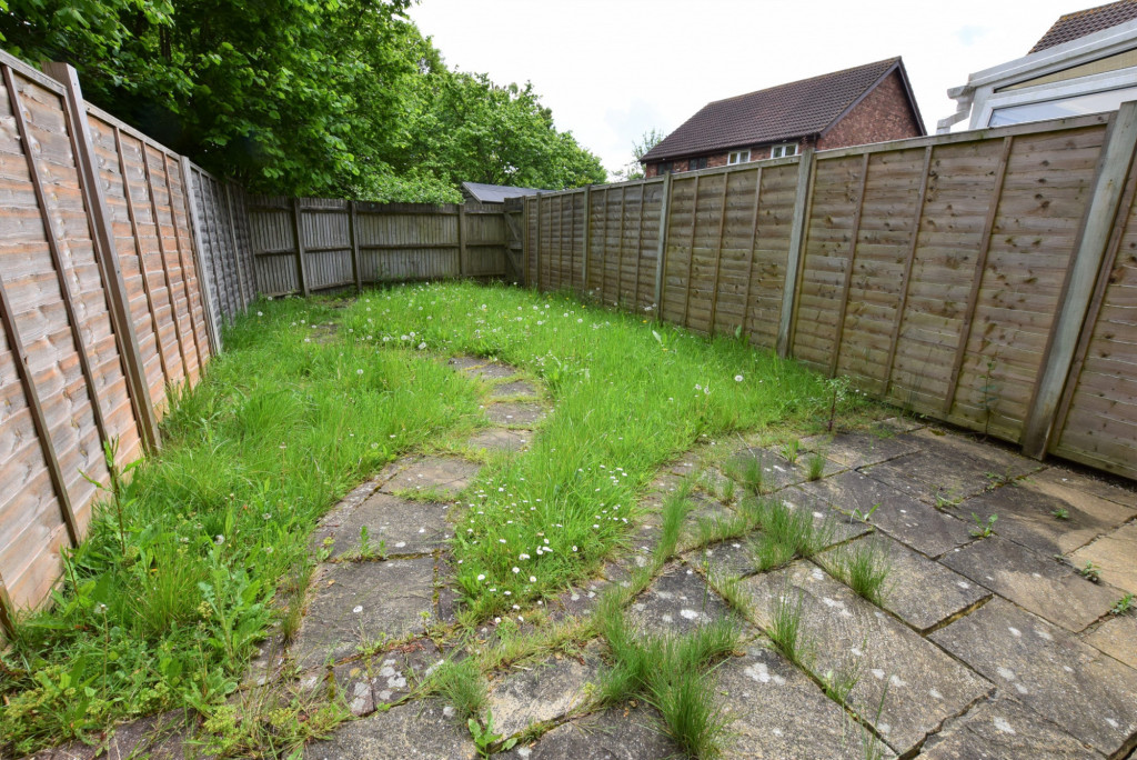 3 bed terraced house for sale in Smithy Drive, Kingsnorth, Ashford 9
