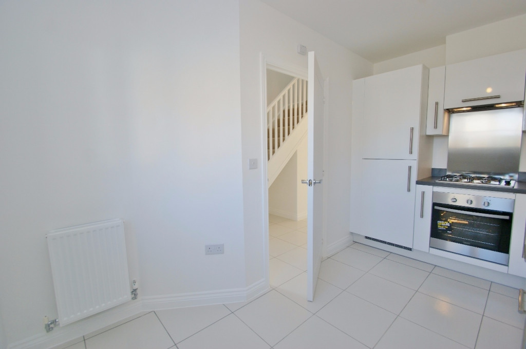 3 bed semi-detached house to rent in Dorset Crescent, Bridgefield, Ashford  - Property Image 3