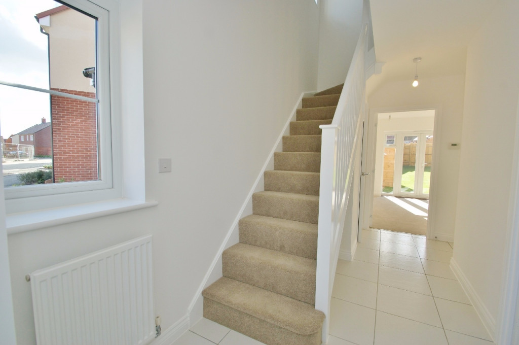 3 bed semi-detached house to rent in Dorset Crescent, Bridgefield, Ashford 3
