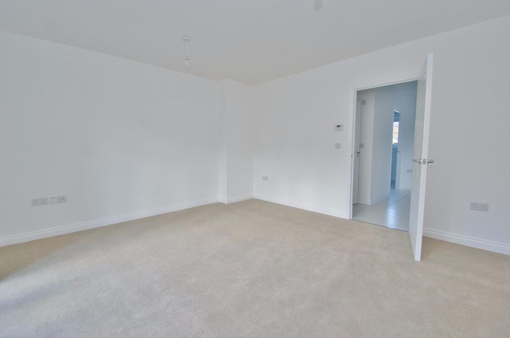 3 bed semi-detached house to rent in Dorset Crescent, Bridgefield, Ashford  - Property Image 6