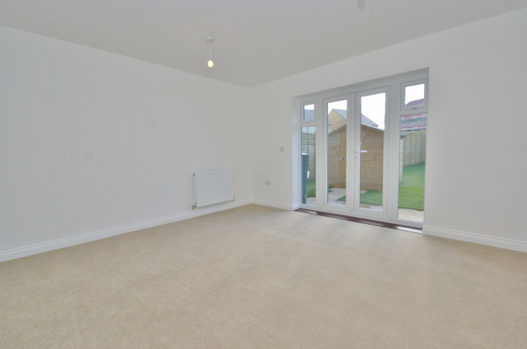 3 bed semi-detached house to rent in Dorset Crescent, Bridgefield, Ashford 6