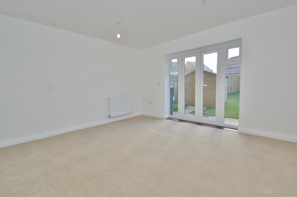 3 bed semi-detached house to rent in Dorset Crescent, Bridgefield, Ashford  - Property Image 7