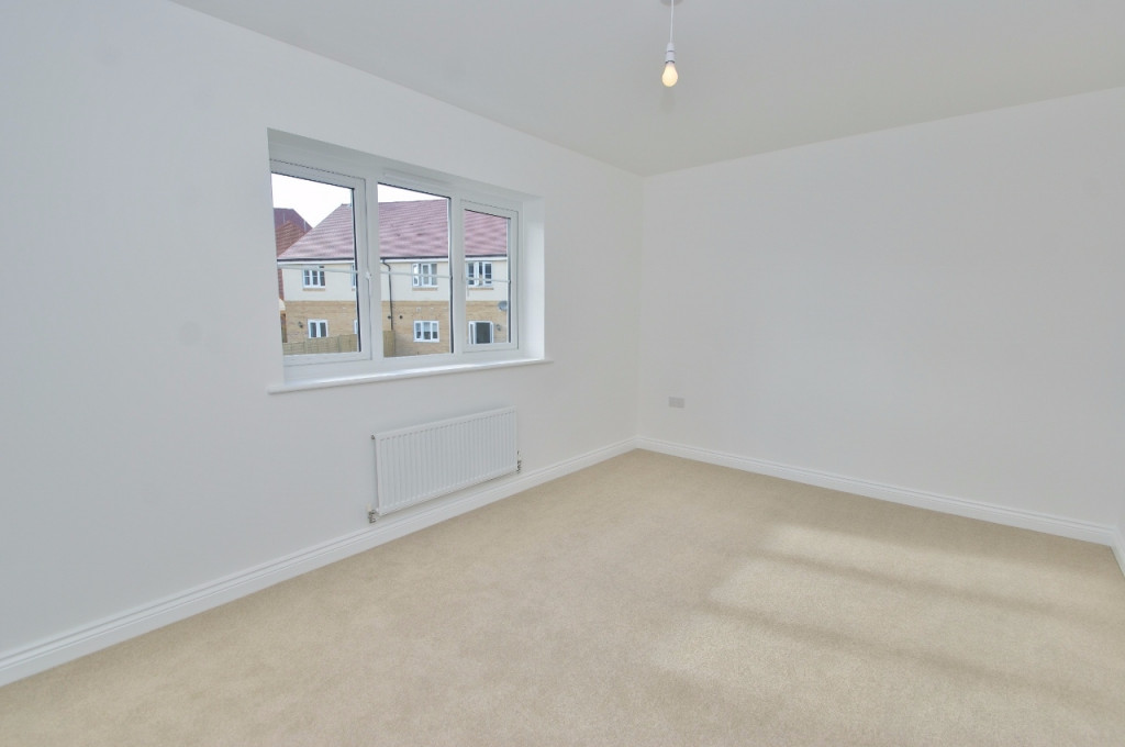 3 bed semi-detached house to rent in Dorset Crescent, Bridgefield, Ashford 7