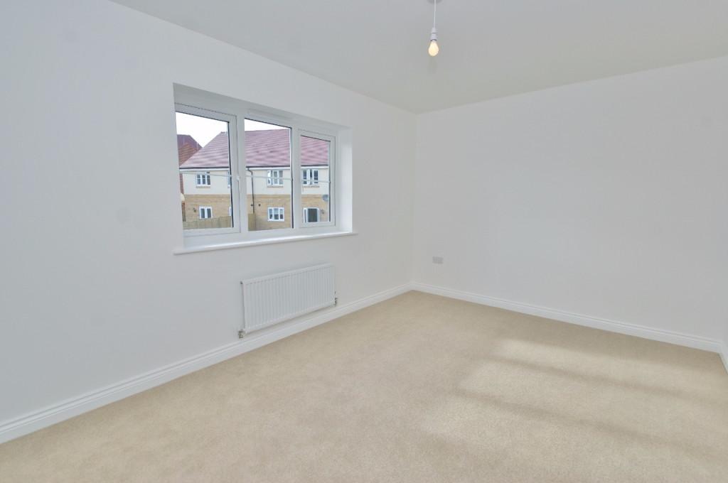 3 bed semi-detached house to rent in Dorset Crescent, Bridgefield, Ashford  - Property Image 8