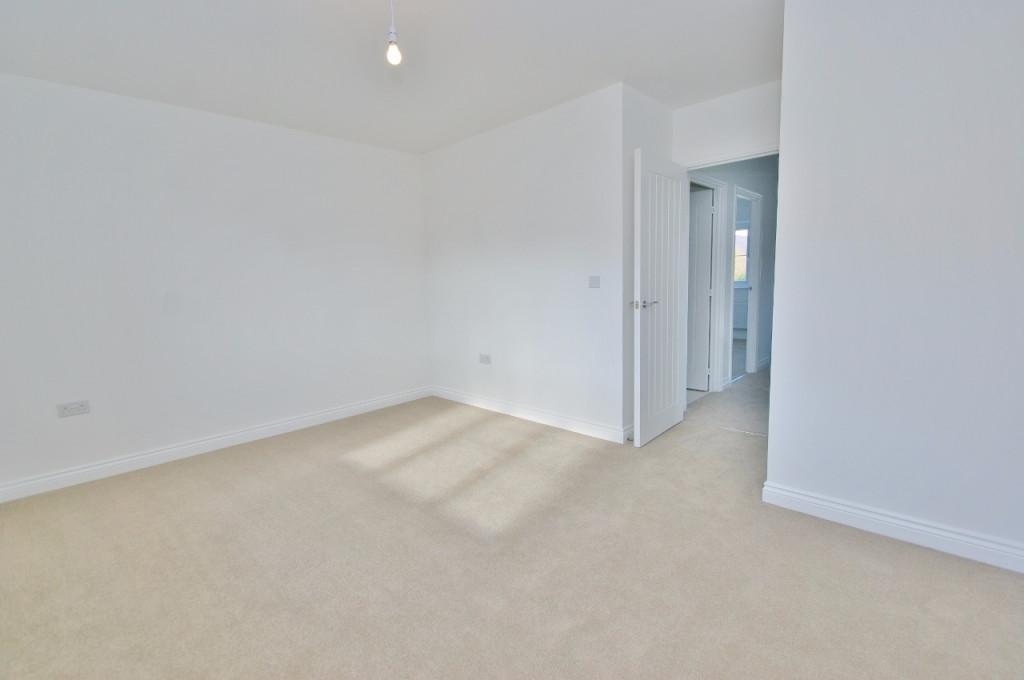 3 bed semi-detached house to rent in Dorset Crescent, Bridgefield, Ashford  - Property Image 9