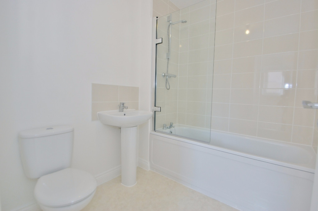 3 bed semi-detached house to rent in Dorset Crescent, Bridgefield, Ashford 9