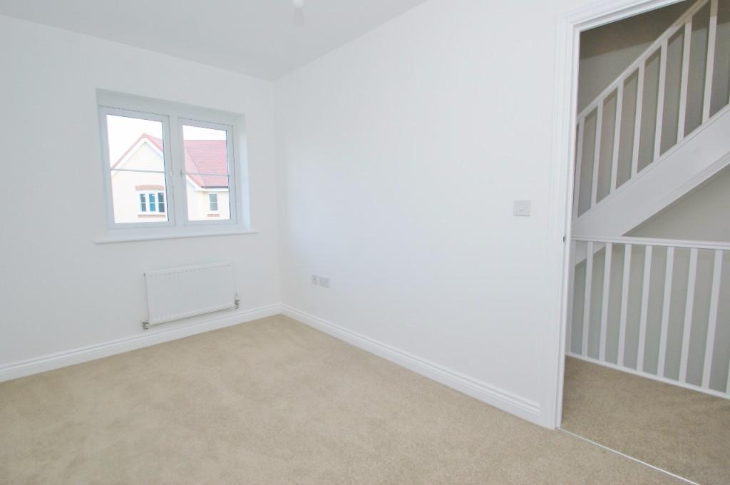 3 bed semi-detached house to rent in Dorset Crescent, Bridgefield, Ashford  - Property Image 11