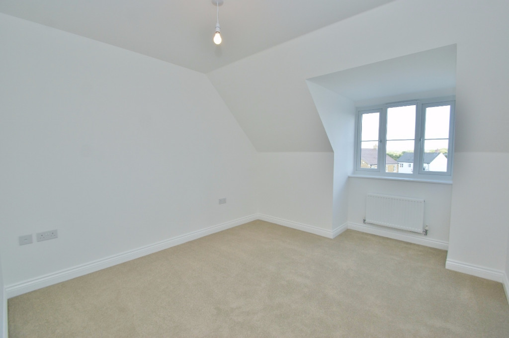 3 bed semi-detached house to rent in Dorset Crescent, Bridgefield, Ashford  - Property Image 16
