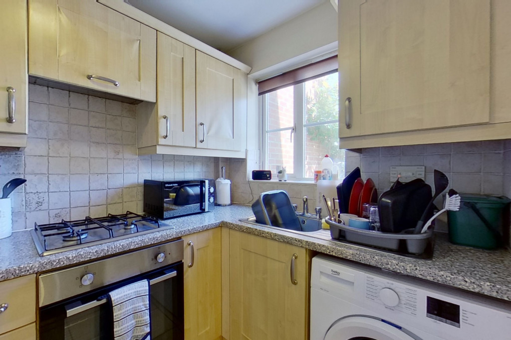 2 bed terraced house to rent in Sun Rise, Orchard Heights, Ashford  - Property Image 4