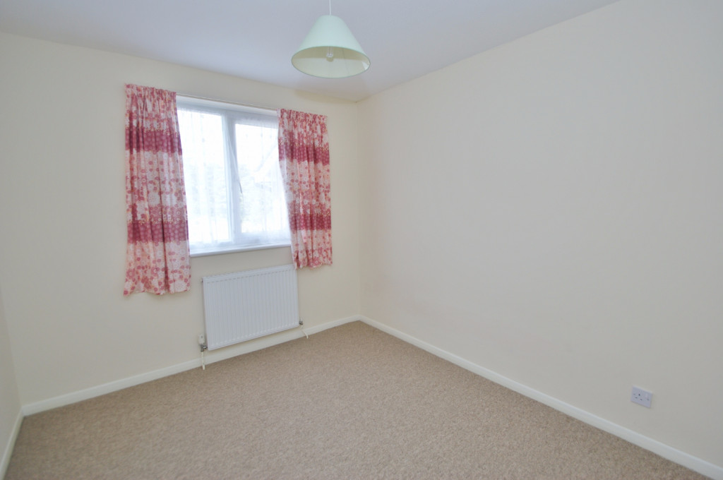 3 bed terraced house to rent in Lees Road, Willesborough, Ashford 8