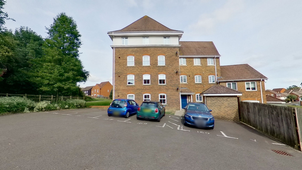 2 bed apartment to rent in Imperial Way, Singleton, Ashford 1