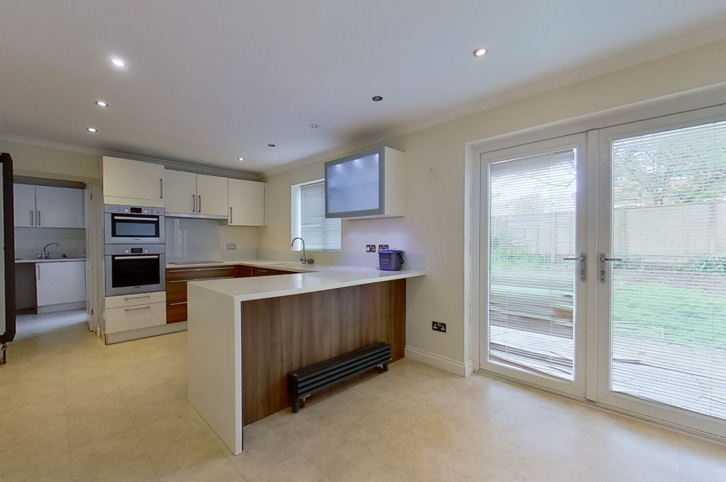 4 bed detached house to rent in Upton Close, Broadmead Village, Folkestone  - Property Image 5