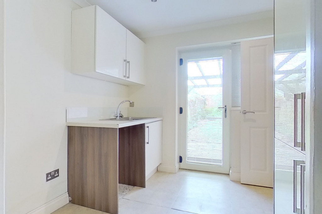 4 bed detached house to rent in Upton Close, Broadmead Village, Folkestone 5