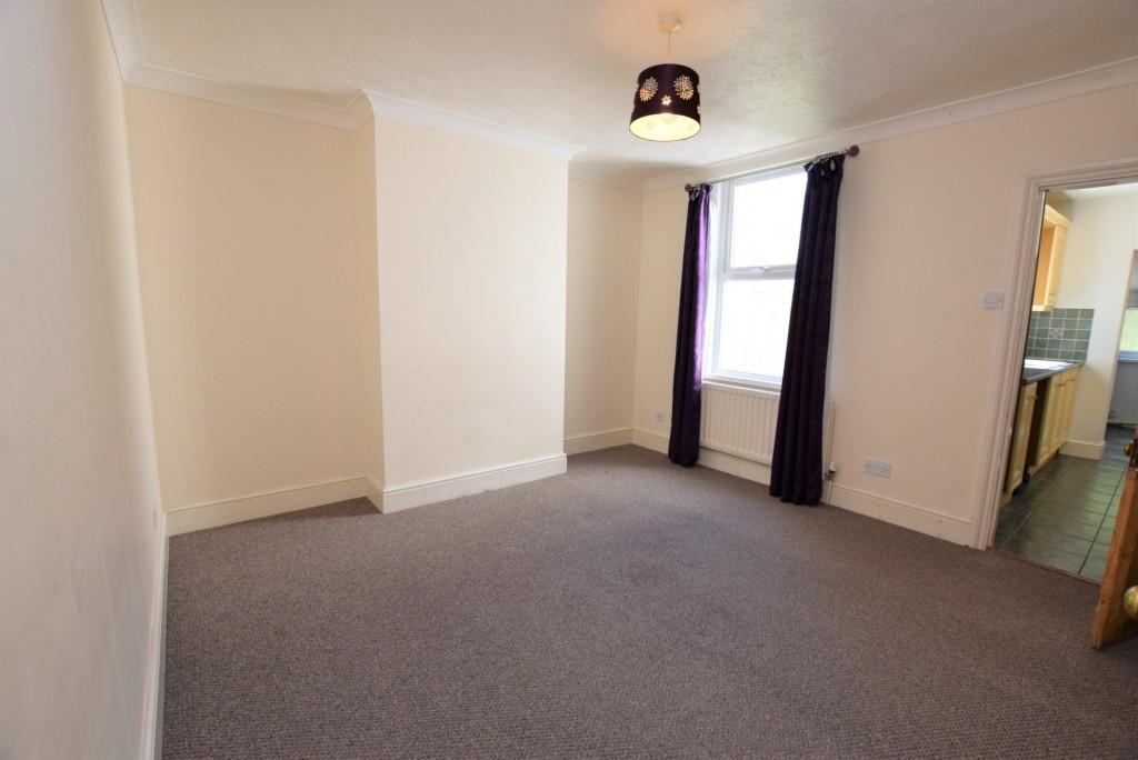 2 bed terraced house to rent in Eastern Avenue, Ashford  - Property Image 4