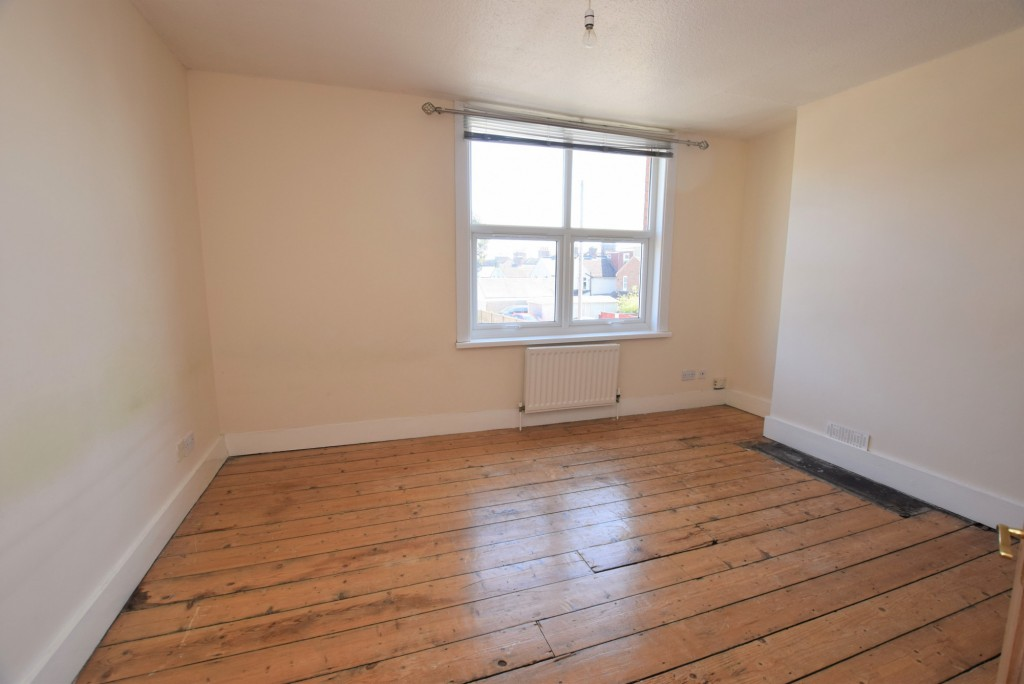 2 bed terraced house to rent in Eastern Avenue, Ashford 8