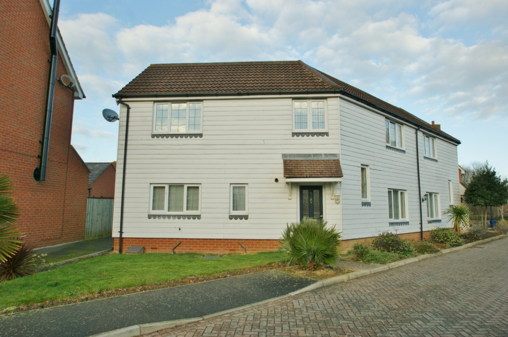 4 bed semi-detached house to rent in Richborough Way, Kingsnorth, Ashford 0