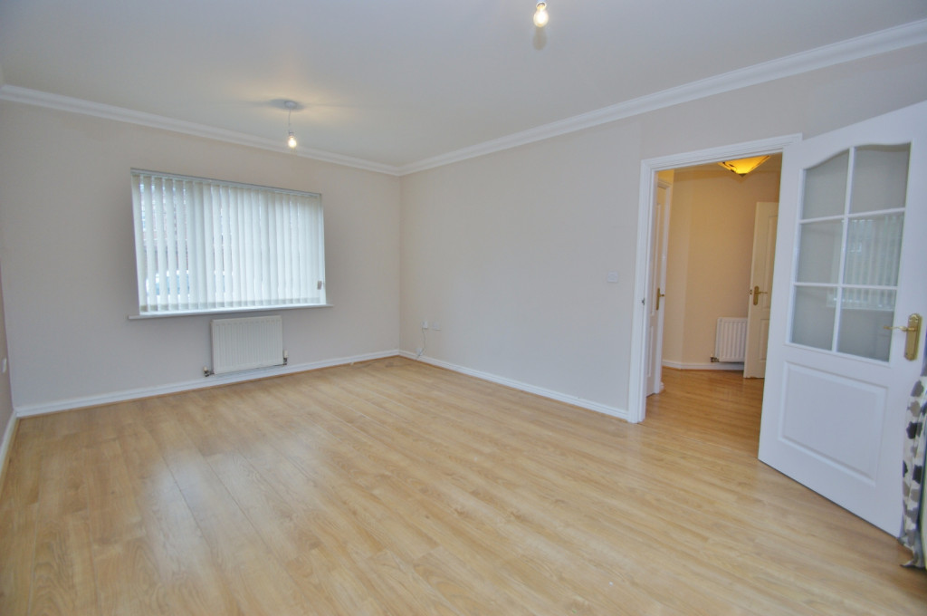 4 bed semi-detached house to rent in Richborough Way, Kingsnorth, Ashford 2