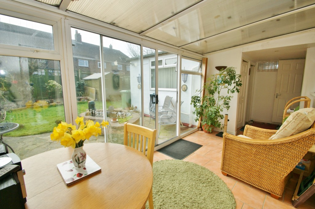 4 bed terraced house for sale in Samian Crescent, Folkestone  - Property Image 4