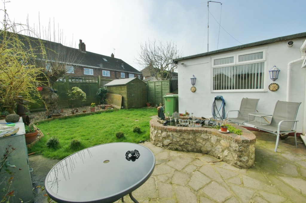 4 bed terraced house for sale in Samian Crescent, Folkestone 5