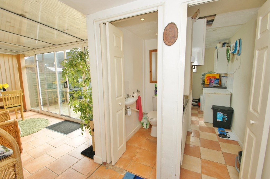 4 bed terraced house for sale in Samian Crescent, Folkestone 6