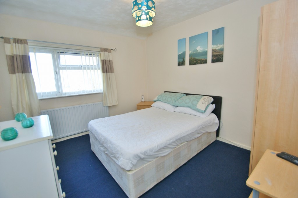 4 bed terraced house for sale in Samian Crescent, Folkestone  - Property Image 9