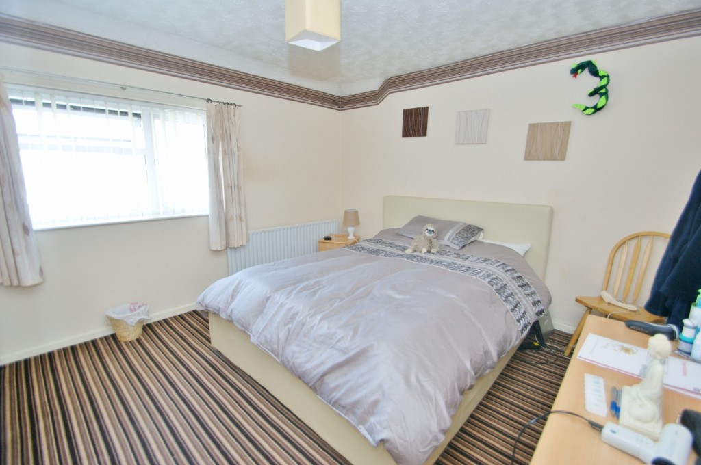 4 bed terraced house for sale in Samian Crescent, Folkestone 10