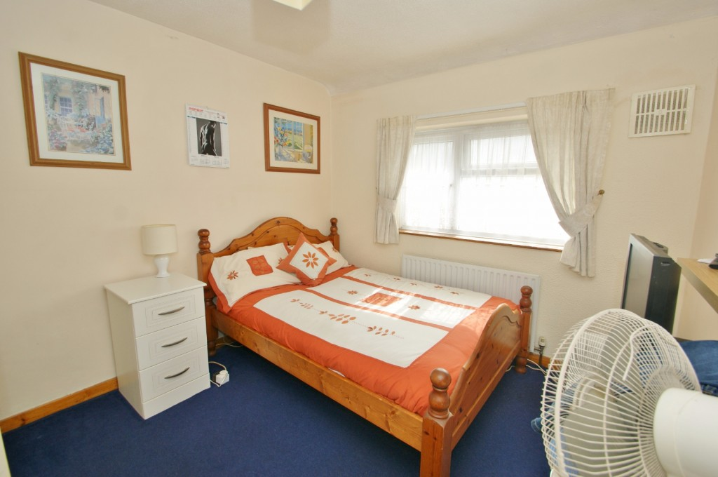 4 bed terraced house for sale in Samian Crescent, Folkestone 11