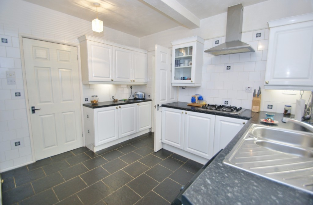 4 bed terraced house for sale in Samian Crescent, Folkestone  - Property Image 15