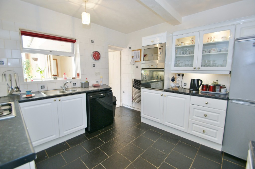4 bed terraced house for sale in Samian Crescent, Folkestone  - Property Image 16