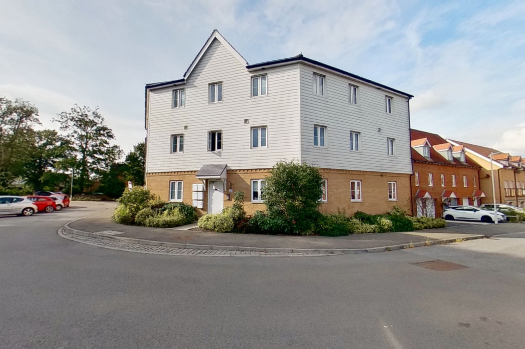 2 bed apartment to rent in Greystones, Willesborough, Ashford 0