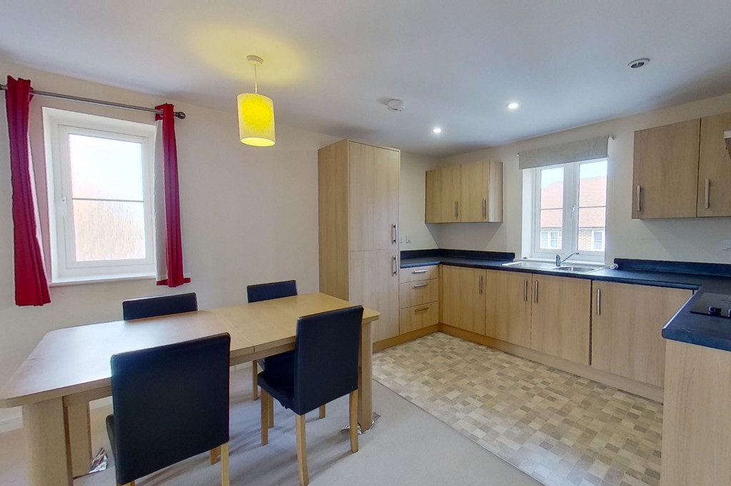 2 bed apartment to rent in Greystones, Willesborough, Ashford 2