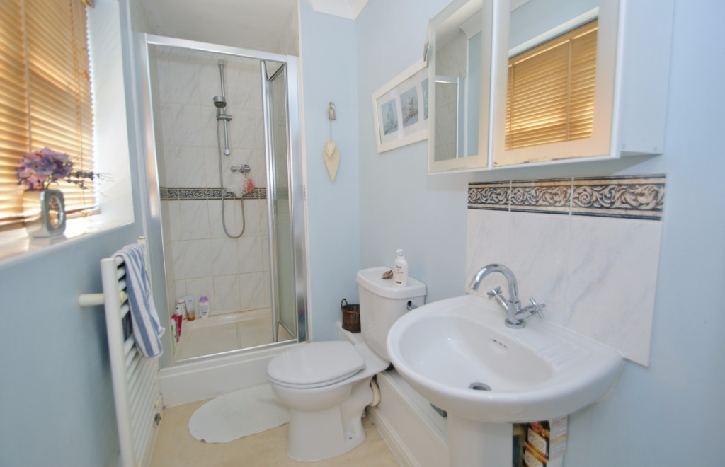 4 bed end of terrace house for sale in Chaffinch Drive, Kingsnorth, Ashford  - Property Image 14