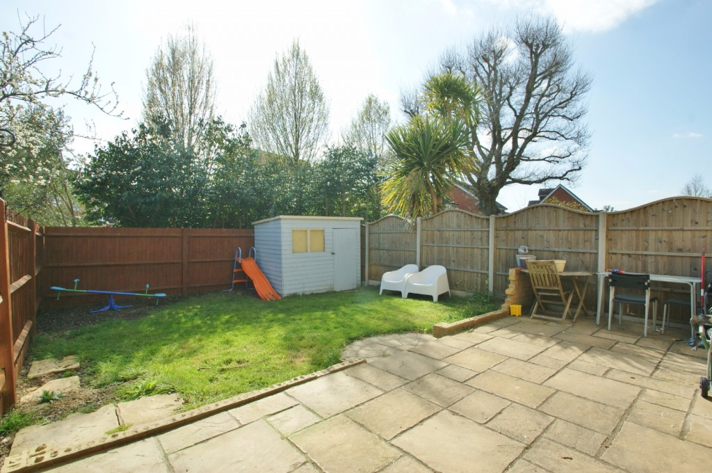 4 bed end of terrace house for sale in Chaffinch Drive, Kingsnorth, Ashford 16