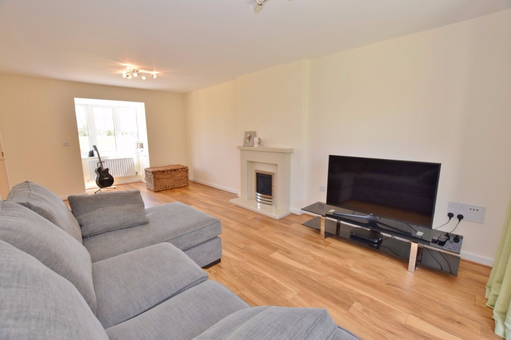 4 bed detached house for sale in Goldfinch Drive, Finberry, Ashford  - Property Image 8