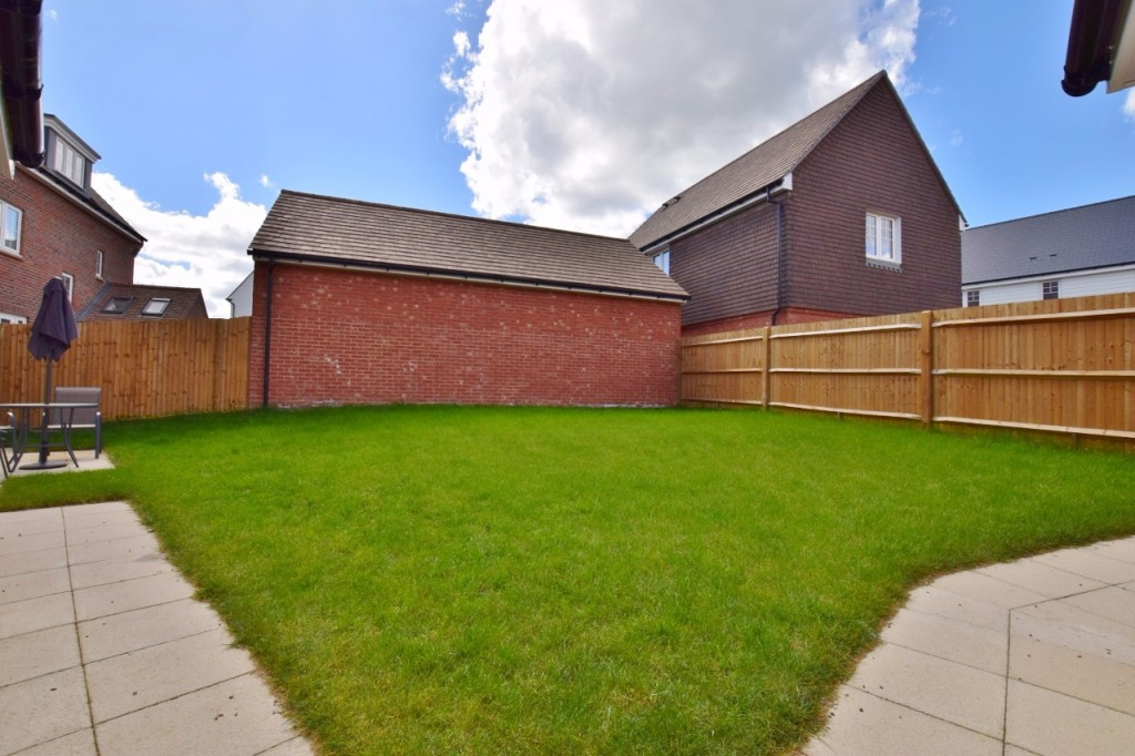 4 bed detached house for sale in Goldfinch Drive, Finberry, Ashford  - Property Image 19