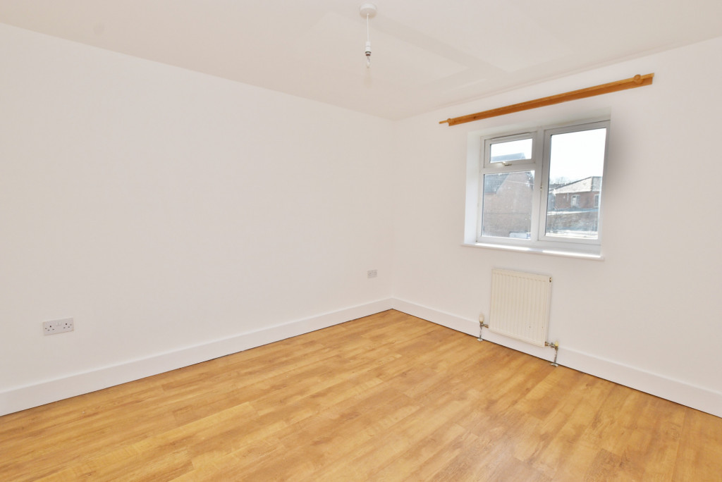2 bed flat to rent in Bradstone Avenue, Folkestone  - Property Image 5