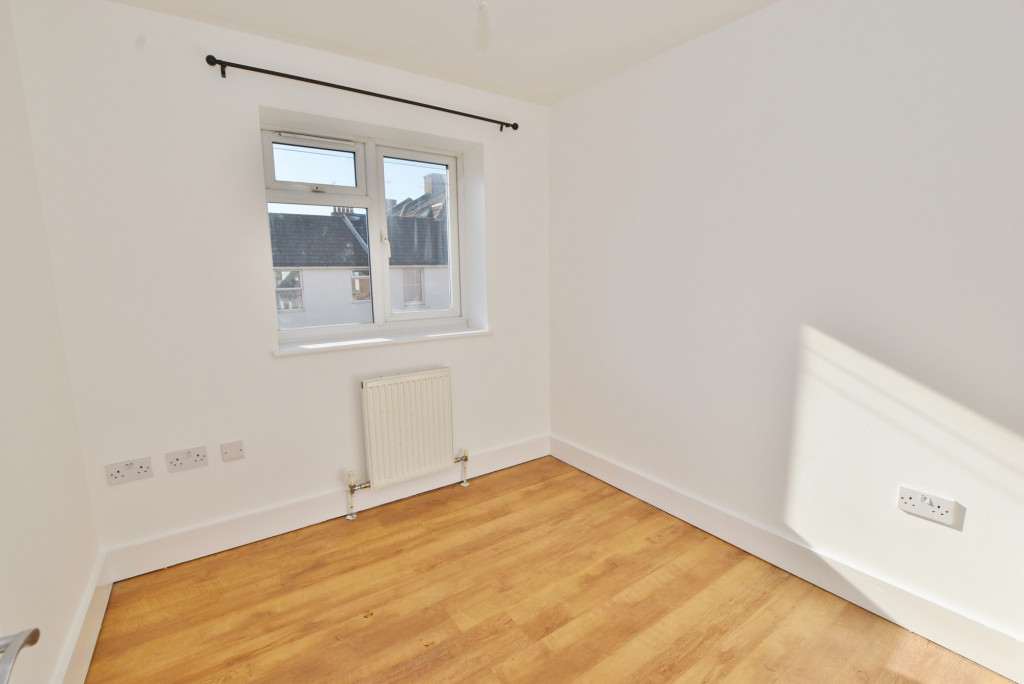 2 bed flat to rent in Bradstone Avenue, Folkestone  - Property Image 6