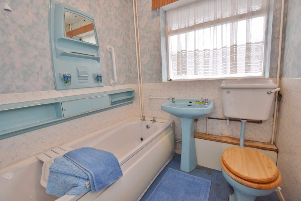 3 bed semi-detached house for sale in The Rise, Ashford 3