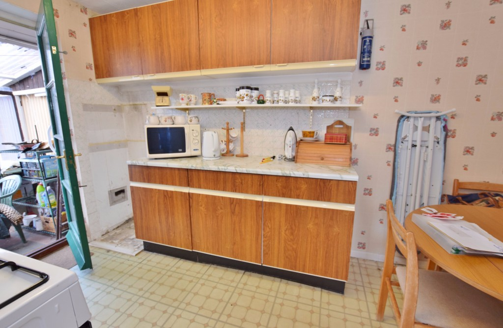 3 bed semi-detached house for sale in The Rise, Ashford 4