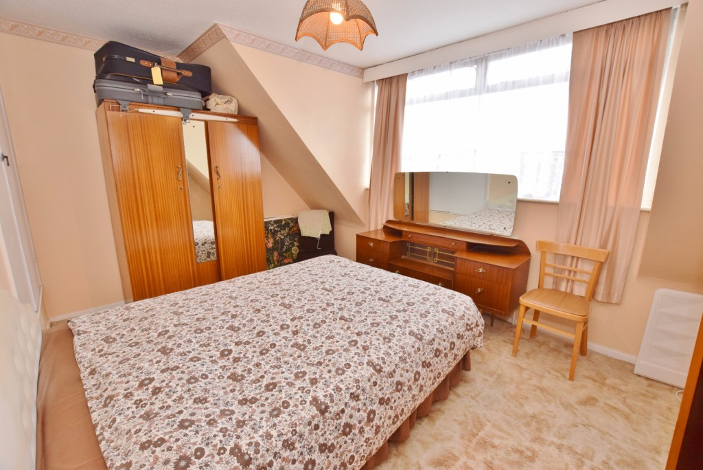 3 bed semi-detached house for sale in The Rise, Ashford 6