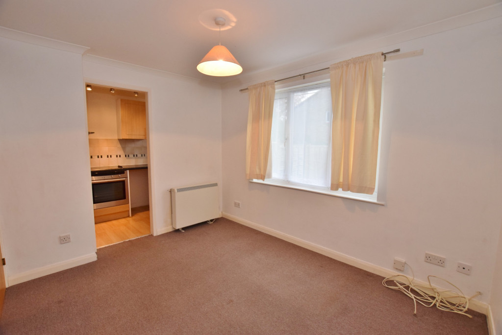 1 bed end of terrace house to rent in Springwood Drive, Godinton Park, Ashford 2