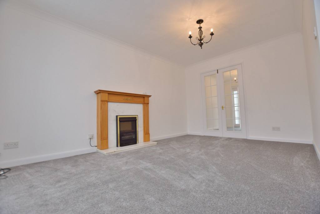 4 bed semi-detached house to rent in New Rectory Lane, Ashford 2